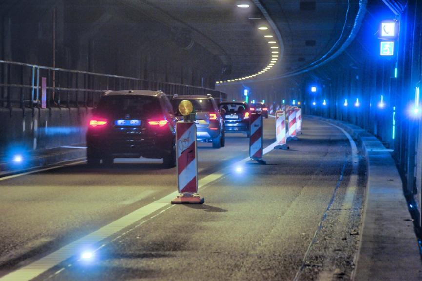 Lampen im kiesbergtunnel st ren autofahrer rhein wupper for Lampen im auto