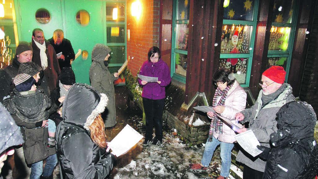 Weihnachtslieder im frisch gefallenen Schnee | Solingen