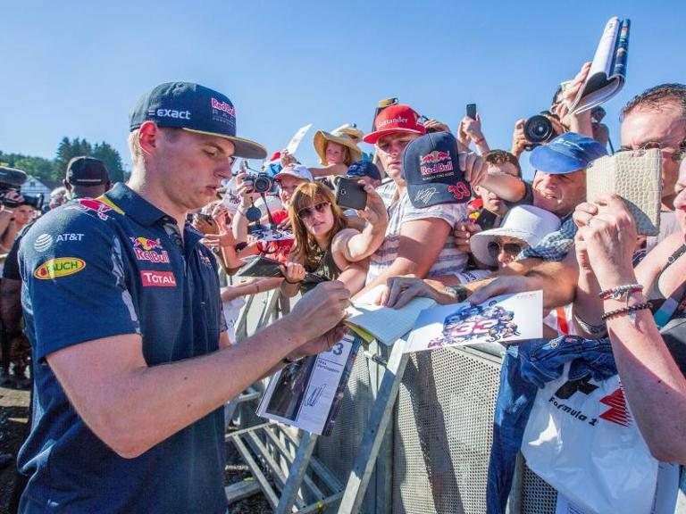 Red-Bull-Pilot Max Verstappen ist in Spa-Francorchamps einer der Stars. Foto: Stephanie Lecocq