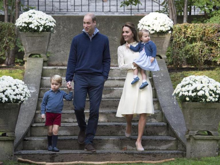 It&#39s party time: William und Kate mit George und Charlotte. Foto: Str