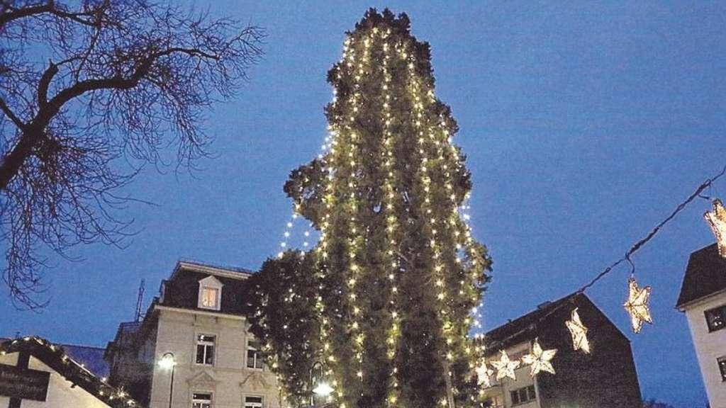 Weihnachtsbaum Ab Wann.Kurzbach Lehnt Weihnachtsbaum Vor Rathaus Ab Solingen