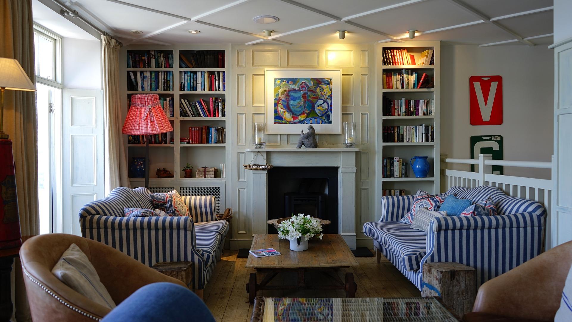 Frau will alte Möbel verkaufen - und kommt auf eine geniale Idee ...