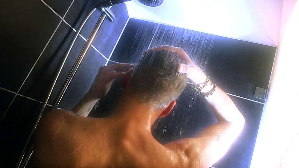 duschen kostet schnell 500 euro solingen. Black Bedroom Furniture Sets. Home Design Ideas
