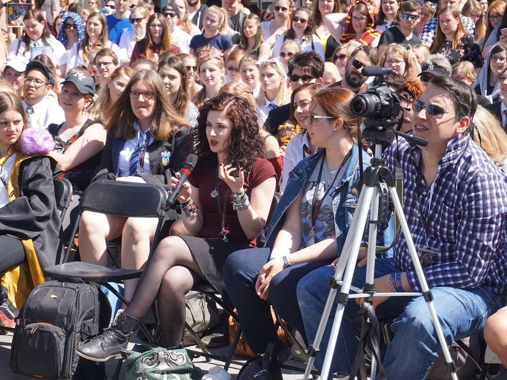 5000 Fans Kommen Zum Harry Potter Special Nach Schloss Burg Solingen