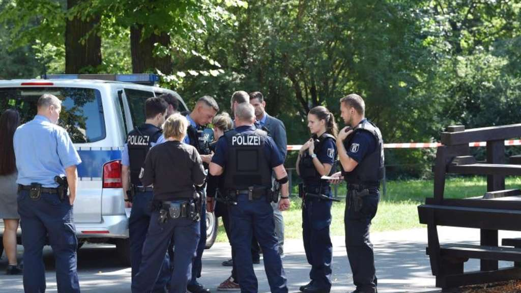 Polizeieinsatz am Tatort in Berlin-Moabit. Foto: Paul Zinken